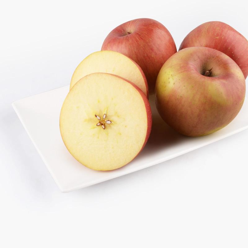 Organic Fuji Apples x4 950g-1kg