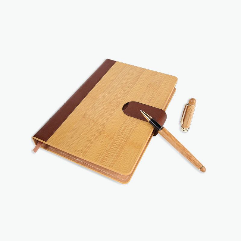 A Gift of China, Gift Set (Bamboo Notebook & Pen)